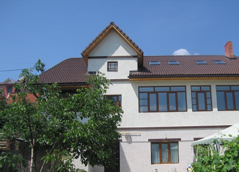 фото 3-х этажный на берегу Волги с черепичной крышей ...: http://dkru.ru/obyavleniya-nedvijimost/sell/house/all/all_7839.html?template=172&file=1